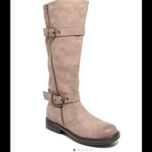 NIB-Two Lips Taupe Boots